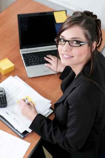La permanence téléphonique allège votre planning et vous allège l'esprit : nous répondons à vos clients ou patients pour vous